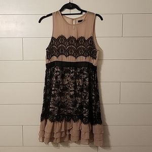 ADORABLE black lace accent dress!